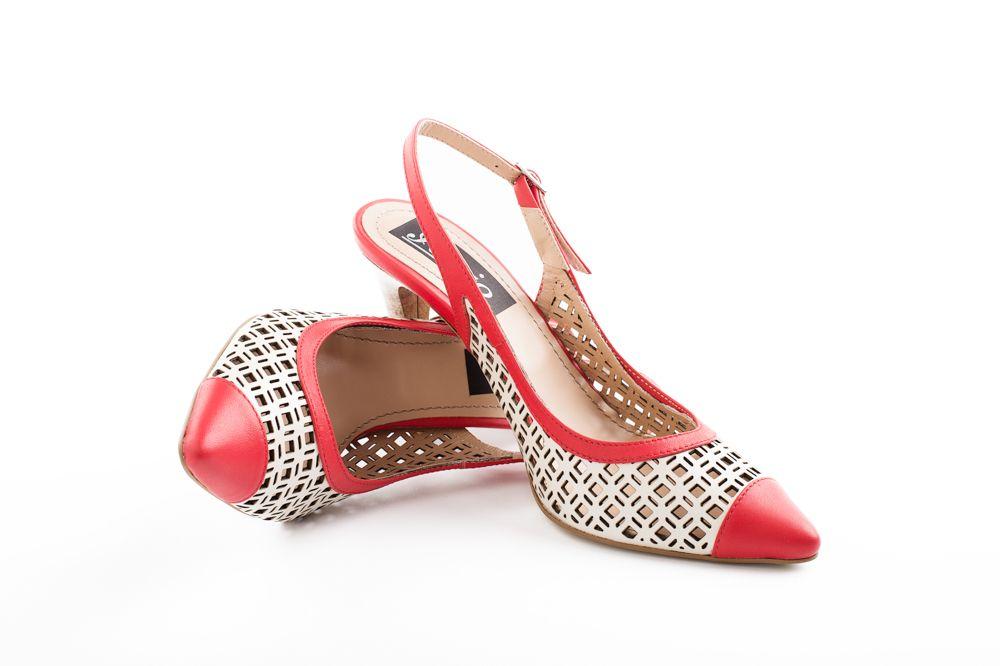 357e700841 Pantofi din piele naturala cu design unicat Pantofini Happiness  G5 ...